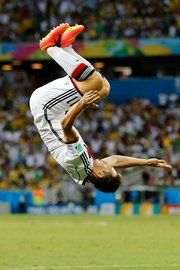 World Cup 2014: Goal Celebrations in Soccer Are Always Colorful - NYTimes.com Miroslav Klose of Germany celebrated a goal with a flip. Credit Frank Augstein/Associated Press