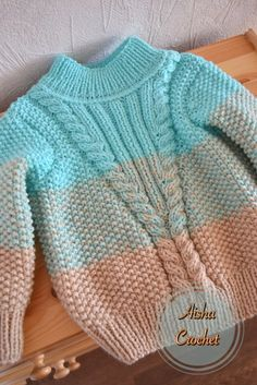 Free Knitting Pattern Baby Cardigan with Cables Baby Boy Knitting Patterns, Baby Sweater Patterns, Knitting For Kids, Knitting Designs, Free Knitting, Baby Patterns, Baby Cardigan, Baby Boy Sweater, Knit Baby Sweaters
