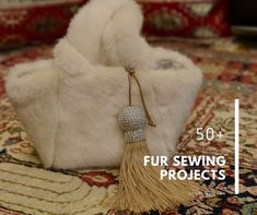 Sewing Top 50 Fur Sewing Projects: Fashionably Warm for Winter Sewing Blogs, Sewing Hacks, Sewing Tutorials, Sewing Projects, Sewing Ideas, Learn Sewing, Craft Tutorials, Craft Ideas, Mug Rug Patterns