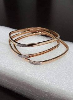 25 trendy Ideas for jewerly simple bracelets jewels 25 trendy Ideas for jewerly simple bracelets jewels Plain Gold Bangles, Gold Bangles Design, Cartier Love, Gold Jewelry Simple, Simple Bracelets, Bangle Bracelets, Gravure Metal, Jewelry Design Earrings, Fashion Jewelry