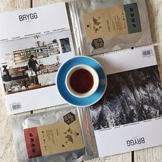 """@coffeetablemags's photo: """"Good morning caffeinated Wednesday! Two beautiful faces of Norway: The latest issue of @brygg_magasin with two different covers and two very delicious coffees – Gatubu, Kenya and Loma Linda, El Salvador– from the great guys of @jacucoffeeroastery delivered by my favourite coffee subscription @kaffebox. Fight the grey days with plenty of good coffee and lovely magazines! — #bryggmagasin #jacucoffeeroastery #kaffeBox #coffeetablemags"""""""