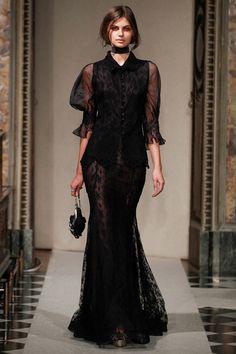 La robe ballonnée du défilé Luisa Beccaria à Milan