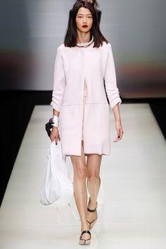 Sfilata Emporio Armani Milano - Collezioni Primavera Estate 2016 - Vogue  Armani Prime a707654a468