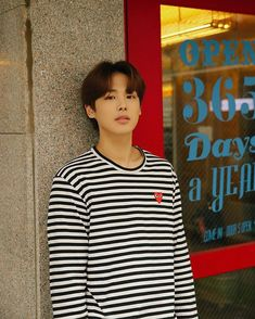 VICTON (@victon1109) • Zdjęcia i filmy na Instagramie K Pop, 2016 Songs, Love My Kids, Korean Men, Dimples, Boyfriend Material, My Boyfriend, Short Stories, Celebrities