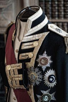 Hold Your Horses: Photo Military Fashion, Mens Fashion, Fashion Outfits, Dandy, Military Dresses, Military Uniforms, Estilo Lolita, Military Looks, Grunge Style