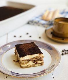 Tiramisu clasic – rețetă italianească fără frișcă – Chef Nicolaie Tomescu Tiramisu, Romanian Food, Goodies, Sweets, Ethnic Recipes, Desserts, Joy, Mascarpone, Sweet Like Candy