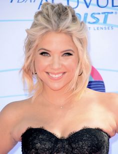 Pretty Little Liars' Ashley Benson has hair just at her shoulder, making it the perfect length for creating this messy updo she wore at The Teen Choice Awards.