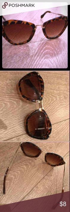Retro tortoise shell sunglasses- NWOT Retro tortoise shell sunglasses- NWOT Accessories Sunglasses