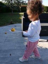 activités de motricité globale avec des pommes