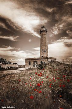 Lighthouse... by Sofia Kotsilieri on Fivehundredpx
