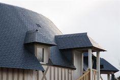 Ardoises CUPA sur les toitures gironnées de l'hôtel de luxe 'Les Manoirs de Tourgéville' | #ardoise #CUPA #toiture #architecture #design #hotel #Tourgeville