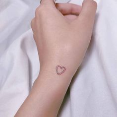 In many workplaces, a bold line stands between creative expression and professional presentation. As a result, many write off the idea of getting inked, Tiny Heart Tattoos, Cute Tiny Tattoos, Dainty Tattoos, Little Tattoos, Mini Tattoos, Tribal Tattoos, Anchor Tattoos, Feather Tattoos, Herz Tattoo