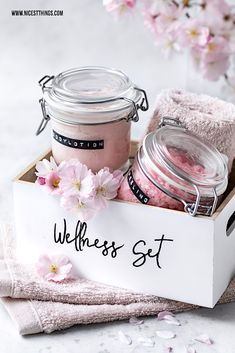 Make body lotion yourself: DIY Wellness Set & 5 Tips for more enjoyment in everyday life - Ni. : Make body lotion yourself: DIY Wellness Set & 5 Tips for more enjoyment in everyday life - Nicest Things , Diy Spa, Diy Beauté, Advantages Of Green Tea, Diy Lotion, Vestidos Vintage, Body Care, Bath And Body, Homemade, Skin Care