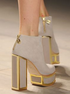 Chanel high heels, i love bulky, beautiful shoes like this! Dr Shoes, Crazy Shoes, Cute Shoes, Me Too Shoes, Shoes Heels, Gold Heels, Gold Boots, Bootie Boots, Shoe Boots