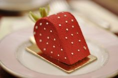 Strawberry Cake / Laduree