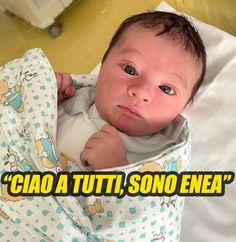 """""""Ciao a tutti, sono Enea"""". Poche ore di vita ed è già tale e quale alla sua famosa mamma: una meraviglia"""