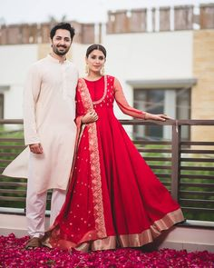 Super ideas for dress wedding red fashion Pakistani Bridal Dresses, Indian Dresses, Indian Outfits, Bridal Anarkali Suits, Silk Anarkali Suits, Lehenga Designs, Indian Attire, Indian Ethnic Wear, Ethnic Gown