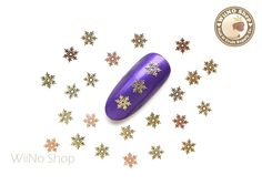 New metal decoration for nail art design.Ultra thin and very flexible. Nail Jewelry, Charm Jewelry, Thin Nails, Nail Art Supplies, New Nail Art, Nail Supply, Gold Stars, Nail Art Designs, Snowflakes