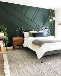 Green Bedroom Walls, Green Master Bedroom, Green Accent Walls, Dark Green Walls, Accent Wall Bedroom, Green Rooms, Master Bedroom Design, Home Bedroom, Modern Bedroom