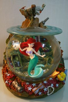 This is Ariel. Water Globes, Snow Globes, Disney Snowglobes, Disney Pixar Movies, Princesas Disney, Snowmen, The Little Mermaid, Ariel, Biscuit
