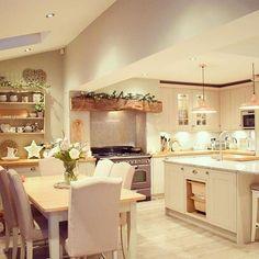 Open Plan Kitchen Living Room, Barn Kitchen, Kitchen Dining Living, Home Decor Kitchen, Interior Design Kitchen, Country Kitchen, New Kitchen, Home Kitchens, Extension Veranda