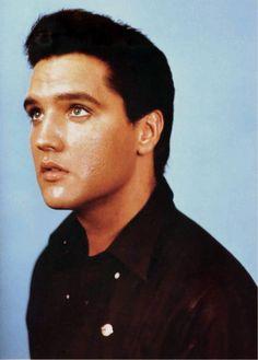 Elvis Aaron Presley: Elvis - August 25