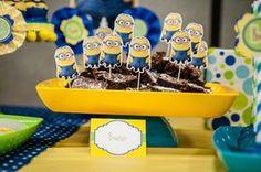 Minion Birthday Brownies with printable food tent