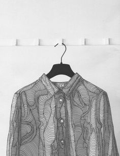 Monochrome shirt with intricately illustrated print, artistic fashion details // Alana Dee Haynes Fashion Prints, Fashion Art, Womens Fashion, Fashion Design, Artist Fashion, Textile Texture, Textile Prints, Typographie Logo, Illustration Mode