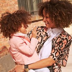 Today Scout called me her #styleicon. I'm not sure where she learned that from but I was so amused! I hope I can always inspire her to feel confident and free and express her individuality through fashion as I do. I'm all for effortless style Why is your mom your style icon? Share a pic with your mom using #9WMothersDay for a chance to win $250 gift card to @ninewest!