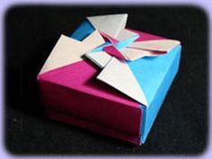 Una caja para meter un pequeño regalo, aunque la cajita misma ya lo es