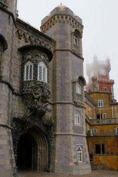 Palácio da Pena, pórtico do Tritão, Sintra Portugal