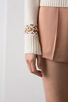 Guarda la sfilata di moda A.L.C. a New York e scopri la collezione di abiti e accessori per la stagione Pre-Collezioni Autunno-Inverno 2017-18.