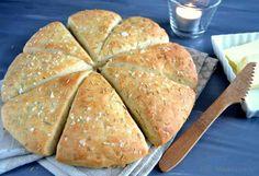 Hurtigt madbrød Bread Recipes, Baking Recipes, Home Bakery, Bread Bun, Bread Baking, Tapas, Brunch, Food Porn, Food And Drink