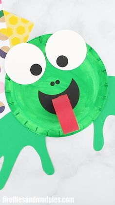 This fun paper plate frog craft is perfect for toddlers, and preschoolers. Use it to teach the life cycle of frogs, hang it on bulletin boards, or enjoy it as an easy art activity for story time. # easy art activities How to Make a Paper Plate Frog Craft Paper Plate Crafts For Kids, Spring Crafts For Kids, Art For Kids, Diy Kids Crafts, Arts And Crafts For Kids Easy, Pond Crafts, Crafts For 3 Year Olds, Adult Crafts, Crafts For Girls