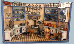Puppenküche von Christian Hacker in Seckseckform, Originalzustand