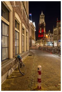 A year ago I bought an apartment in down town Utrecht.  With my camera I'm discovering my new home town.