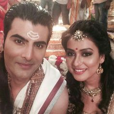 Shiv and Parvati on the sets of Siya Ke Ram Siya Ke Ram, Devon Ke Dev Mahadev, Star Actress, Indian Couture, Show Photos, Indian Outfits, Krishna, Mythology, Bollywood