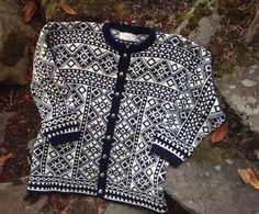 Dark blue Figgjo Norwegian wool sweater made in Norway-size L