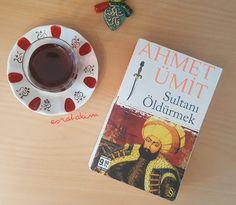 Yazlıkta olduğum günlerde kitap okumaya daha çok zaman ayırıyorum. Balkonda eşimle kahve içerken ya da plajda güneşlenirken kitap okuma...
