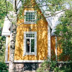 #aarreaitta #kohtaamisia #haastattelu #millabjörkvartiainen #sisustusarkkitehti #puutalo #puutarha #vanhapuuhuvila #idylli