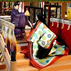 京都風俗博物館 Japanese Lamps, Japanese Pottery, Japanese Art, Heian Era, Heian Period, Traditional Fashion, Traditional Japanese, Hina Dolls, Shrine Maiden