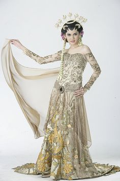 Marina Maitland - Wedding Dress: Wedding Dresses From Indonesia Famous Wedding Dresses, Muslim Wedding Dresses, White Wedding Gowns, Wedding Gowns With Sleeves, Cute Wedding Dress, Designer Wedding Gowns, Luxury Wedding Dress, Traditional Wedding Dresses, Traditional Outfits
