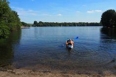 Start zur Paddeltour auf der Duisburger Sechs-Seen-Platte. Hier befindet sich Astrid Günther gerade auf dem Wolfsee.