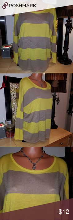 The limited shirt Nice top,  the limited,  size XL, yellow and beige color.... The Limited Tops Blouses