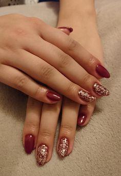 Czerwień i złoto lakierożele. Red and Gold gel-hybrid nails