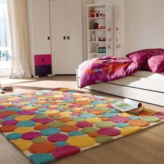 De la couleur et tout en douceur pour cet été ! Voilà un tapis idéal pour introduire de la gaité dans la chambre de votre enfant.