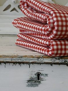 Love these red and white quilts!