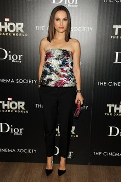 Pin for Later: Natalie Portman's Prima Ballerina Red Carpet Transformation Natalie Portman in a Christian Dior Bustier at the 2013 Thor: The Dark World New York Screening Natalie Portman Style, Estilo Natalie Portman, Bustiers, Nathalie Portman, Dior Beauty, Tea Length Dresses, Holiday Looks, Red Carpet Looks, Red Carpet Dresses