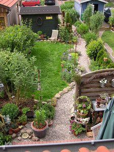 Unser Reihenhaus-Garten in der Übersicht.jpg (225×300)