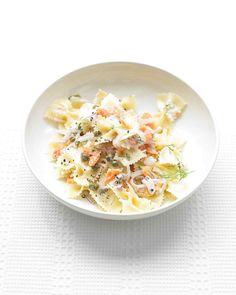 Martha Stewart Farfalle Pasta with Smoked Salmon and Cream Cheese Recipe:  farfalle pasta, coarse salt, pepper, red onion, cream cheese, fresh or dried dill weed, capers and smoked salmon.  ⓟⓐⓢⓣⓐ